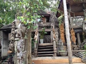 Carvings at Baan Tawai