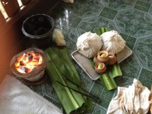 Thai herbal compresses